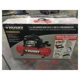 Husky 2 gallon air compressor new in box - looks
