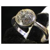 18k GOLD & Diamond Dome ring, size 7, 3.8g (tw)
