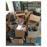 Pallet lot of assorted household items,