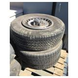 Set of 3 P235/75 R 15 tires on rims