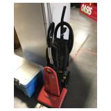 Pair of vacuums - Simplicity and Eureka The Boss