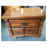Wood nightstand with 2 drawers