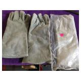 3 pairs of welding gloves
