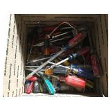 Lot of assorted screwdrivers