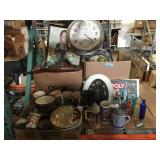 Lot of assorted household and decorative items