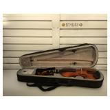Mendini  3/4 violin in soft case, bow, rest , vg