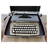 Vintage Smith-Coronna Classic 12 Typewriter