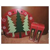 Wood Christmas Wreathe & Santa Decorations