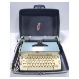 Vintage Smith-Corona traveling typwriter
