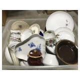 Fine china/glassware box lot