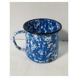 Blue & white swirl porcelain metal mug