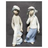 Vintage Casades figurine pair