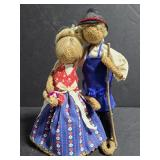 Burlap rope husband and wife sculpture figures