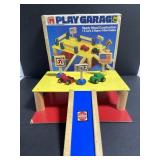 Vintage sandberg tootsie toy play garage