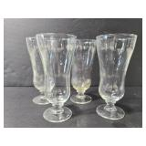 Set of 4 footed glasses