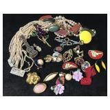 Small jewelry collection for repair / craft