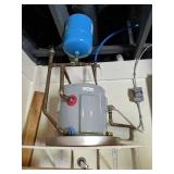 6 Gallon Water Heater & Expansion Tank