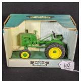 Spec Cast John Deere 1941-46  Model LA Tractor