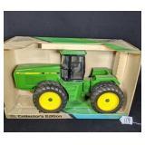Ertl John Deere 8760 4-Wheel Drive Tractor