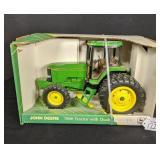 Ertl John Deere 7800 Tractor MFWD & Duals