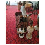 Lot Of Vintage Lamps - Shades