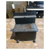 Miniature Cast Iron Cook Stove & Assorted Cast Iro