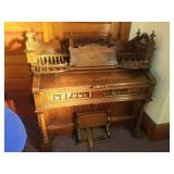 Weaver and Organ Piano Co. oak pump organ