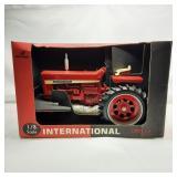 Scale Model 1/8 Scale International 856