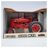 Ertl 1/16 Scale Farmall Super M-TA Special Edition