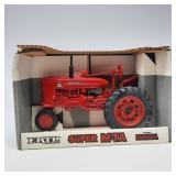 Ertl 1/16 Scale Farmall Super M-TA