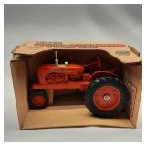 Ertl 1/16 Scale Allis Chalmers WD-45 Antique Tract