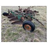 Oliver 4-Bottom Plow w/ 16-in Bottoms