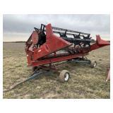 International 820 15-ft Grain Head w/ cart
