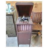 Vintage Edison model 75 upright amberola