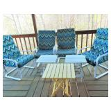 4 Outdoor Chairs & 3 Tables