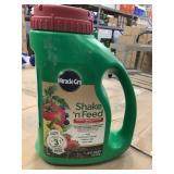 Miracle-Gro Shake n feed  fruit & vegetable x 6