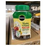 Miracle-Gro shake n feed plant food x2