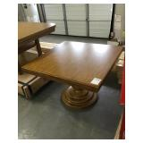 47 3/4inx47 1/4inx7 3/4in dining table