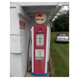Barnett Gas Pump (rep globe)