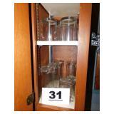 SMALL LOT OF GLASSWARE