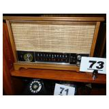 ZENITH TABLETOP RADIO