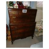 NICE 8 DRAWER QUEEN ANNE CHEST OF DRAWERS