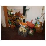 LOT OF LAWN & GARDEN RELATED ITEMS