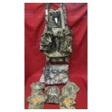 Turkey hunters vest 2XL, camo blind piece, 4 camo