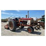 International Harvester 504 Tractor