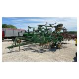 John Deere 980 Cultivator w/Spike Tooth Harrow
