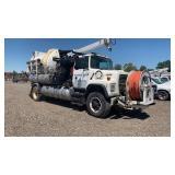 1996 FORD N-SERIES LN8000F Utility truck