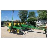 John Deere 7240 MaxEmerge2 No Till Planter 6/11