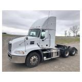 2013 MACK PINNACLE CXU613 T/A TRUCK TRACTOR