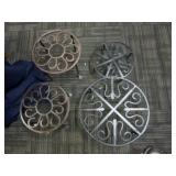 2 SETS OF METAL PLANT STANDS